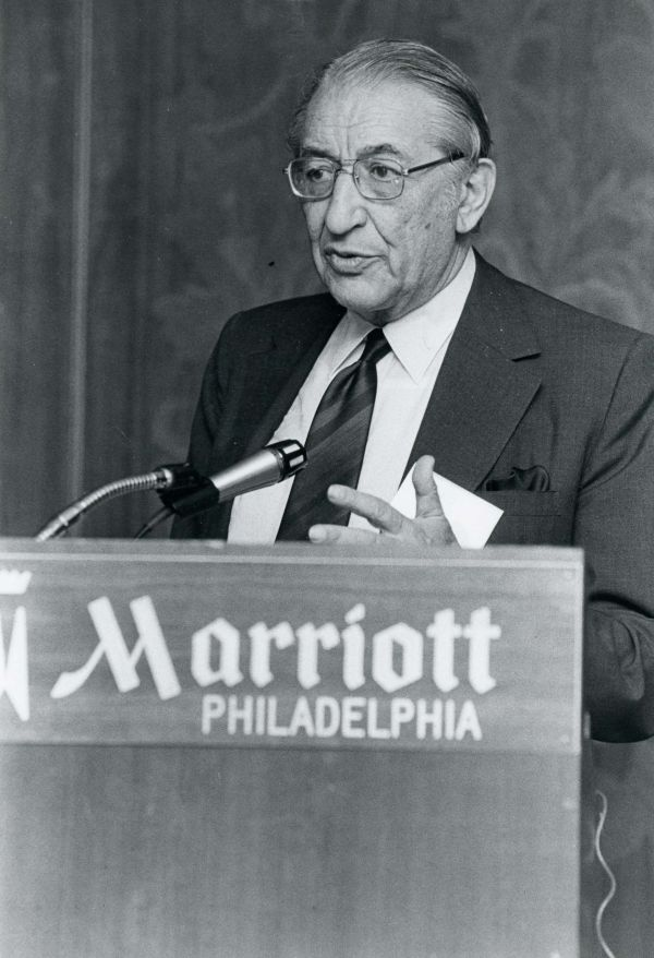 Max Fisher speaking to the General Assembly in Philadelphia in 1976.